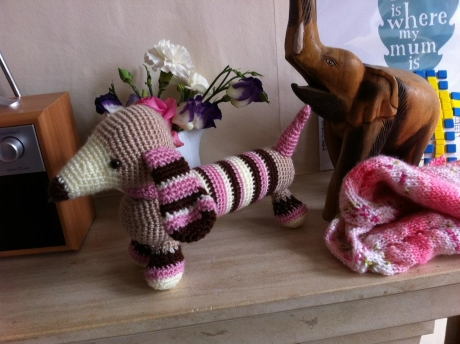 FREE PATTERN: Molly dachshund from LGC Knitting & Crochet issue 69