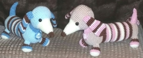 FREE PATTERN: Molly and Max dachshunds from LGC Knitting & Crochet issue 69