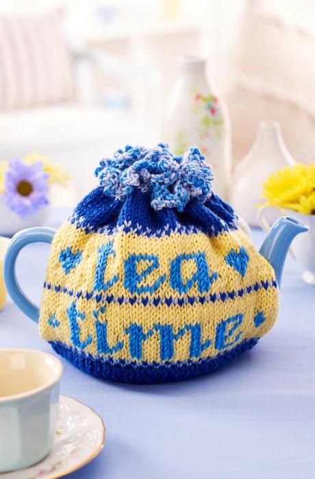 Tea cosy from LGC Knitting & Crochet issue 72