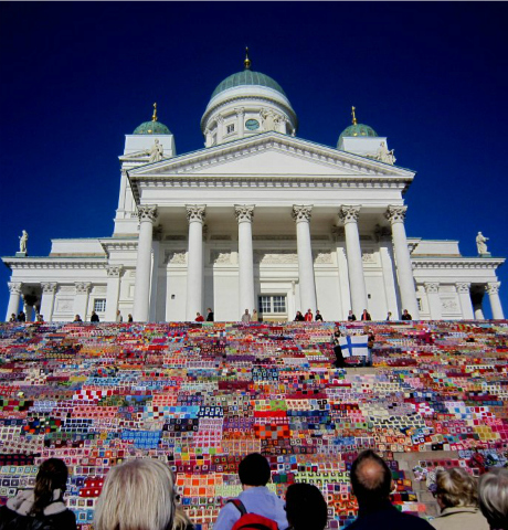Top 5 Extraordianary Yarn Bombs: Helsinki Cathedral
