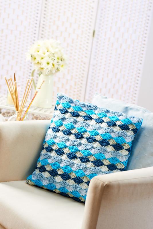 Fan-stitch cushion | Free Knitting Patterns | Let's Knit ...