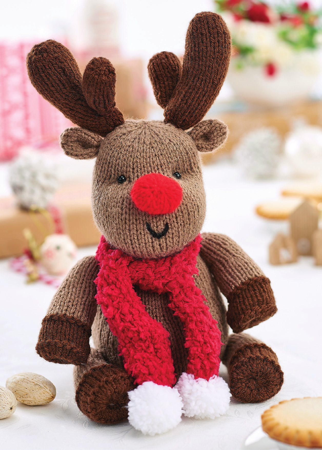 Easy Christmas Reindeer | Knitting Patterns | Let's Knit ...