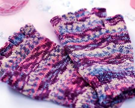Self-patterning Fingerless Gloves Knitting Pattern