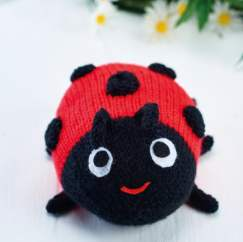 Easy Ladybird Toy Knitting Pattern