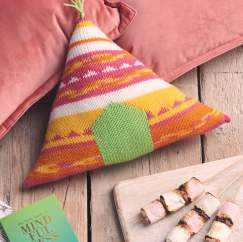 Teepee Cushion Knitting Pattern