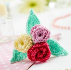 Floral Brooch Knitting Pattern