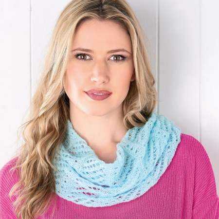 Beginner's lacy cowl Knitting Pattern
