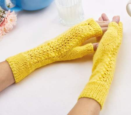 Lacy Fingerless Mitts Knitting Pattern