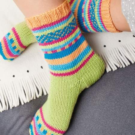 Socks On Two Needles   Knitting Patterns   Let's Knit Magazine