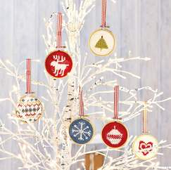 Hoop Christmas Tree Decorations Knitting Pattern