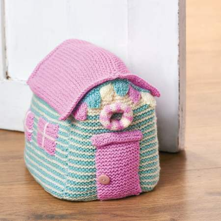 Easy Beach Hut Doorstop Knitting Pattern