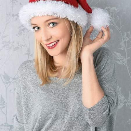 Christmas Quick Knits: Santa Hat, Elf Hat & Wreath Knitting Pattern