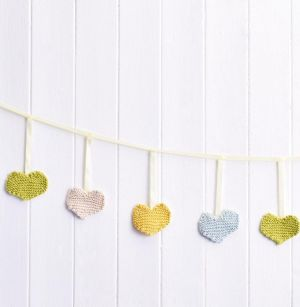 Easy Hearts Bunting