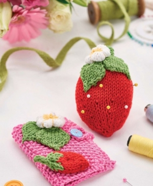 Knitted Sewing Set