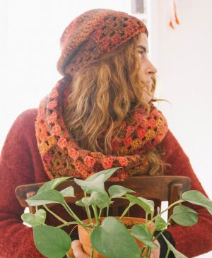 Crochet hat and cowl set