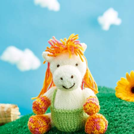 Harriet Horse Knitting Pattern