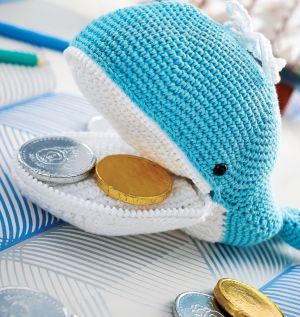 Melville the whale zip purse