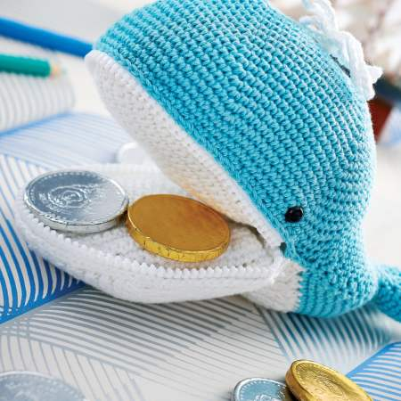 Melville the whale zip purse Knitting Pattern