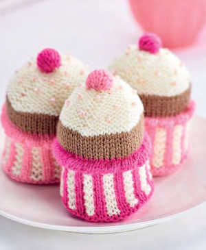 Knit Pink Cupcakes For Breast Cancer Care
