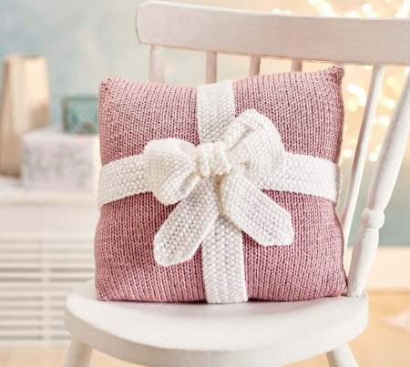 Quick & Easy Christmas Present Cushion Knitting Pattern