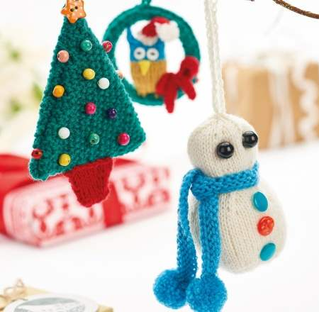 Quick Knit Christmas Decorations: Mini Owl Wreath, Snowman & Tree Knitting Pattern