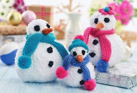 Simple Snowman Family Knitting Pattern