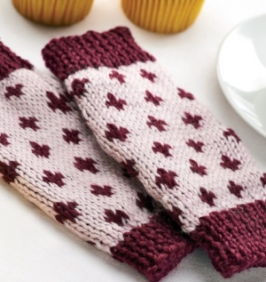 Simple Fair Isle Wristwarmers